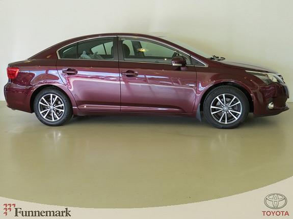 Toyota Avensis 2.0-124HK D-4D DPF 6MT ADVANCE NAVITECH (NAVI/RYGGEKAMERA/LED/+++)  2012, 58000 km, kr 239000,-