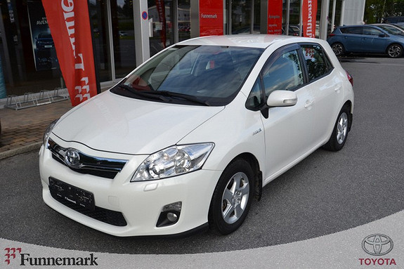Toyota Auris 1,8 Hybrid E-CVT Active  2010, 80500 km, kr 159000,-