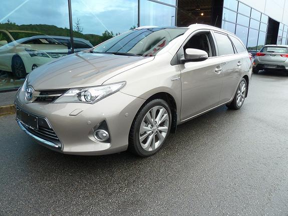 Toyota Auris 1.8 VVT-i Hybrid Executive Panoramatak 136 HK  2013, 18916 km, kr 269000,-