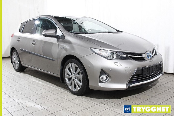 Toyota Auris 1,8 Hybrid E-CVT Executive En eier-Lav km-Toppmodell-Aut.fjernlys-Adapt. BiXenon++