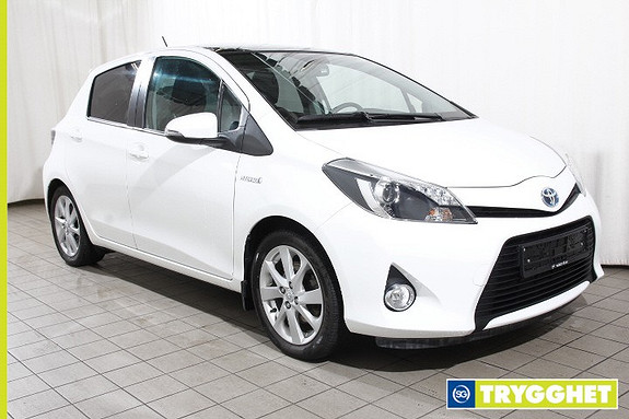 Toyota Yaris 1,5 Hybrid Style e-CVT Delskinn-Glasstak-Ryggekamera-Bluetooth-Keyless