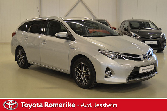 Toyota Auris Touring Sports 1,8 Hybrid Active  2014, 31 000 km, kr 259 000,-