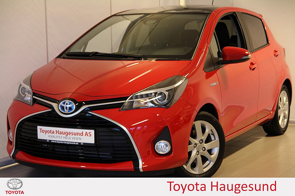 Toyota Yaris 1,5 Hybrid Style e-CVT Navi, delskinn, glasstak, Bluetooth, kamera, tectylert  2016, 2905 km, kr 229000,-