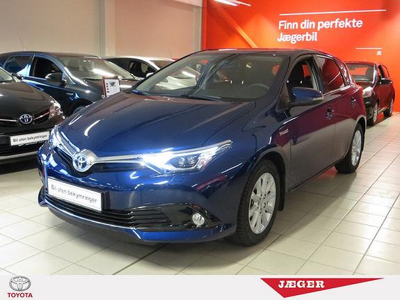 Toyota Auris 1,8 Hybrid E-CVT Style Safety Sense.  2016, 2200 km, kr 295000,-