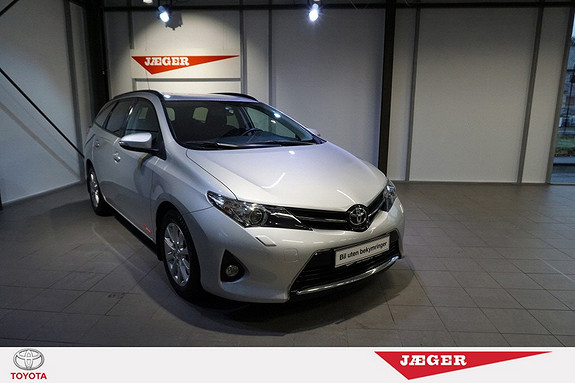Toyota Auris Touring Sports 1,33 Active  2014, 34900 km, kr 209000,-
