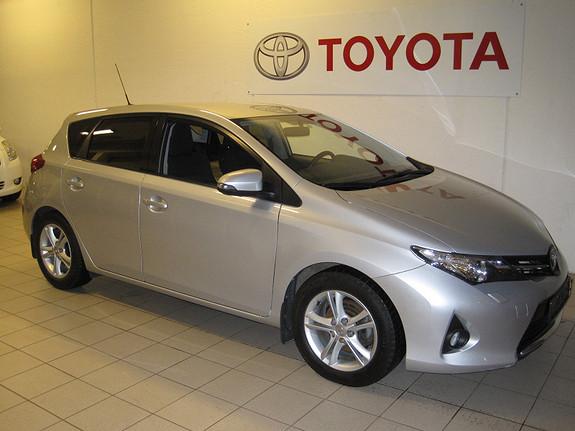 Toyota Auris 1.4 D-4D Style m/Xenon  2013, 56344 km, kr 189000,-