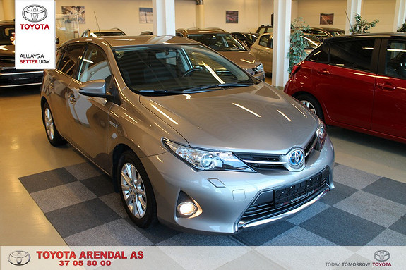 Toyota Auris 1,8 Hybrid E-CVT Active Go navi Meget pen Auris Hybrid, Navi Cr kontr +++  2015, 52000 km, kr 219000,-