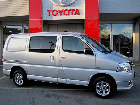 Toyota HiAce D-4D 5-d 117hk 4WD kort m/hengerfeste  2012, 55899 km, kr 249000,-