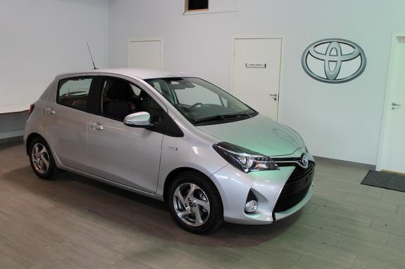 Toyota Yaris 1,5 Hybrid Active e-CVT DEMOBIL SELGES BILLIG**LAV KM**NYBILGARANTI 5 ÅR**TECTYLER  2015, 1800 km, kr 199000,-