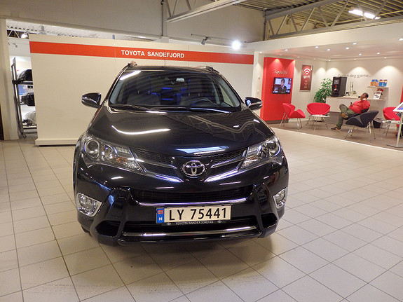 Toyota RAV4 2.2D-CAT Executive  2013, 48 600 km, kr 419 000,-
