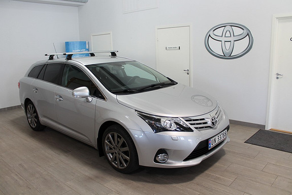 Toyota Avensis 1,8 147hk Exec. InBusiness 3.0 M-drive S **LAV KM**TOPPUTSTYRT**NYBILGARANTI*DAB  2013, 34400 km, kr 299000,-