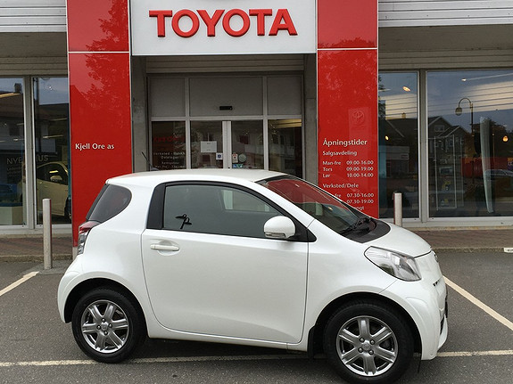 Toyota IQ 1,0 VVT-i iQ2  2011, 45351 km, kr 99000,-
