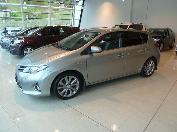 Toyota Auris 1,8 Hybrid E-CVT Executive  2013, 35900 km, kr 219000,-