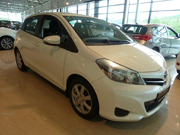 Toyota Yaris 1,33 Active  2014, 33860 km, kr 179000,-