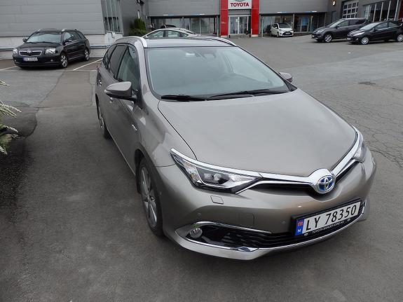 Toyota Auris 1.-8 EXECUTIVE  2015, 22000 km, kr 299000,-