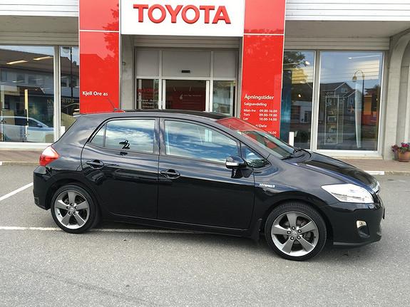 Toyota Auris 1,8 Hybrid E-CVT Executive m/Navigasjon, ryggekamera, cruisecontroll, bluetooth++  2012, 85336 km, kr 185000,-