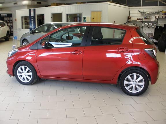 Toyota Yaris 1,5 Hybrid Active .Cruisecontrol, Navi, tåkelys, el. vinduer bak og 15