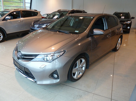 Toyota Auris 1,33 Dual VVT-i  Style  2014, 33278 km, kr 219000,-