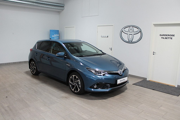 Toyota Auris 1,8 Hybrid E-CVT Style **SJEKK PRISEN**MEGET LAV KM**1 EIER**STRØKEN  2015, 980 km, kr 289000,-
