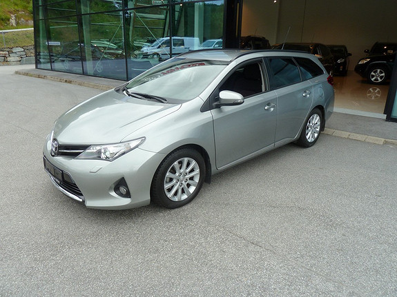 Toyota Auris Touring Sports 1,4 D-4D Style  2014, 35259 km, kr 229000,-