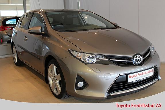 Toyota Auris 1,4 D-4D Style meget pen bil med navigasjon  2013, 60600 km, kr 179000,-