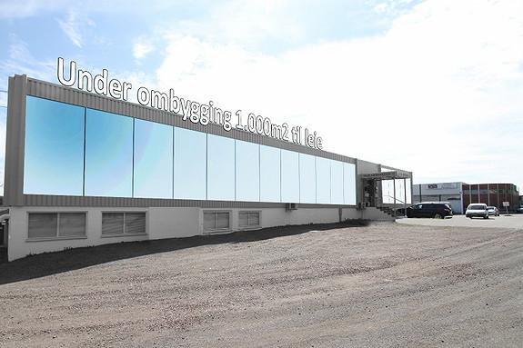 1000m2 butikk, showroom, lager med STOOR fri parkering.....