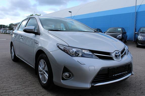 Toyota Auris 1,8 Hybrid E-CVT Active S DAB, Ryggekamera, Navigasjon  2013, 45500 km, kr 209000,-