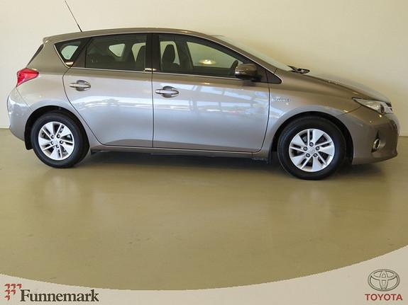 Toyota Auris 1.8-136HK VVTi HYBRID E-CVT ACTIVE (NAVI/ RYGGEK./ CRUISEKTRL./ DAB+/ ++)  2013, 47000 km, kr 199000,-