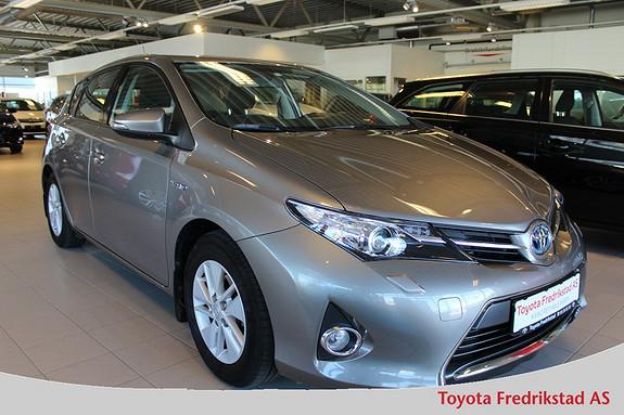 Toyota Auris 1,8 Hybrid E-CVT Active Pen bil med ryggekamera, navigasjon,  2013, 49500 km, kr 209000,-