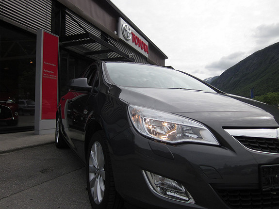 Opel Astra 1,4 Enjoy, sport, kampanje.  2012, 49100 km, kr 147500,-