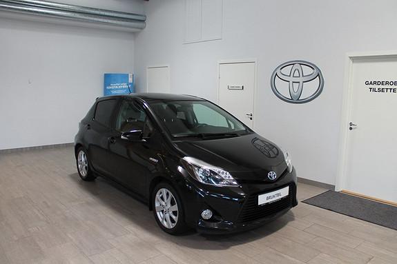 Toyota Yaris 1,5 Hybrid Style **VELHOLDT**PANORAMATAK**NYBILGARANTI**BILDER KOMMER  2013, 39000 km, kr 179000,-