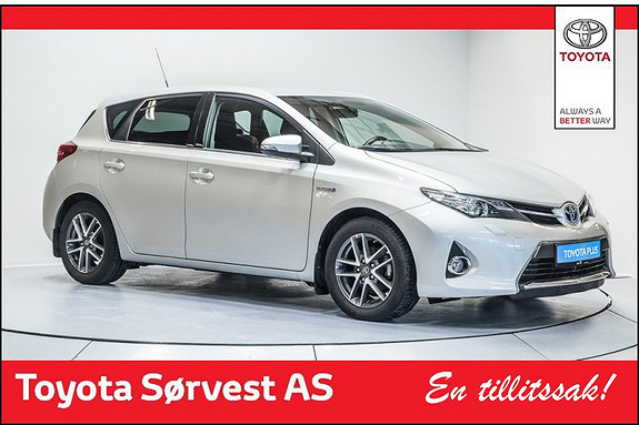 Toyota Auris 1,8 Hybrid E-CVT Active (3 års/45 000 km serviceavtale og 3 års dekkhotel ink)  2014, 30201 km, kr 249000,-