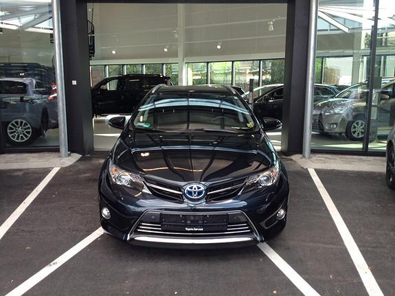 Toyota Auris 1,8 Hybrid E-CVT Executive (3 år/45000km serivce&3år dekkhotel ink i pris)  2013, 36992 km, kr 269000,-