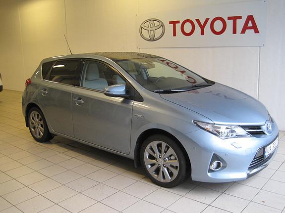 Toyota Auris 1,8 Hybrid Executive m/glasstak  2014, 16851 km, kr 245000,-