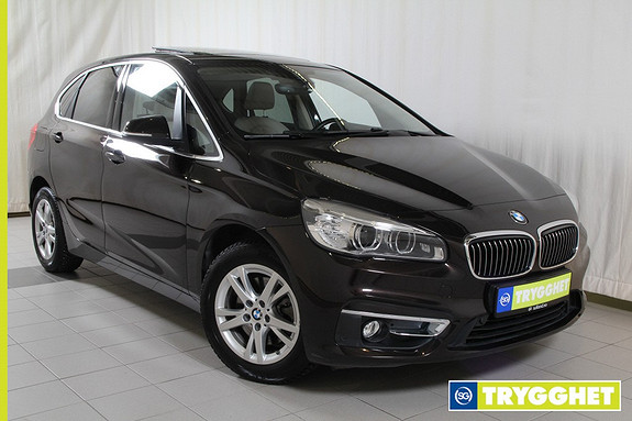 BMW 2-serie 218i Active Tourer aut Luxury line/Skinn/Adaptiv Cruise/panorama tak