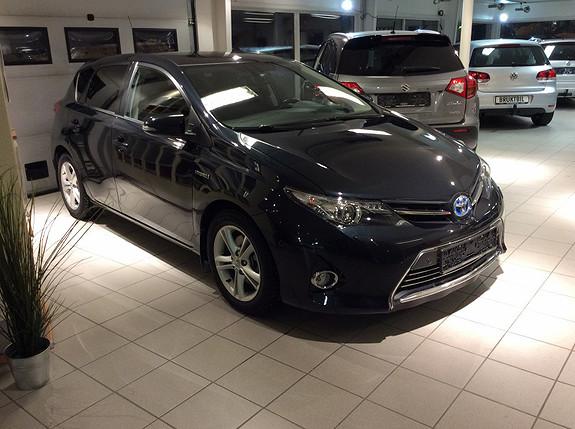 Toyota Auris 1.8 Bensin Hybrid Executive  2013, 38800 km, kr 225000,-