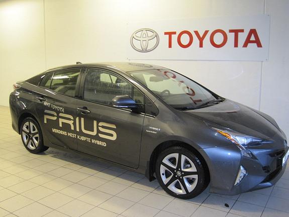 Toyota Prius 1,8 HSD Executive  2016, 9768 km, kr 299500,-