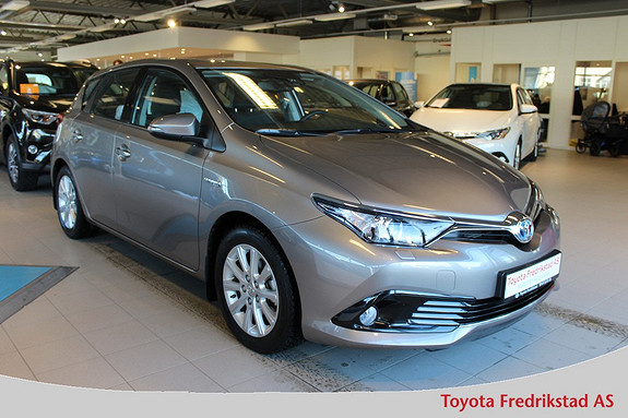 Toyota Auris 1,8 Hybrid E-CVT Active S ,Toyota Safety Sense, DAB+, navigasjon, ryggekamera,  2016, 10100 km, kr 269000,-