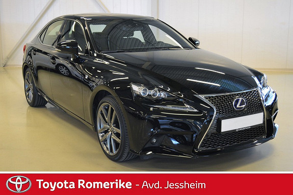 Lexus IS 300h F Sport  2014, 23 500 km, kr 439 000,-