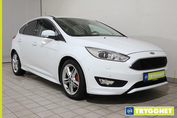Ford Focus 1,0 EcoBoost 125hk Titanium X DELSKINN!! NAVIGASJON!!OPPVARMET RATT!!