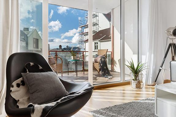 Sandviken - Lekker leilighet fra 2005 med stor lys stue og solrik veranda. Ca. 10 min. gange til sentrum.
