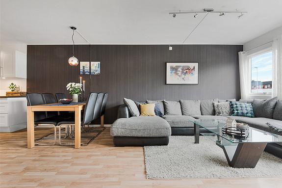 Nær Sentrum / Gyldenpris - Stor og flott 2-roms + disp.rom, med kort avstand til UIB-HIB.  Heis og garasjeplass.