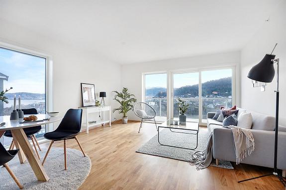 Nyoppført 3 (4)-roms leilighet med nydelig utsikt.
