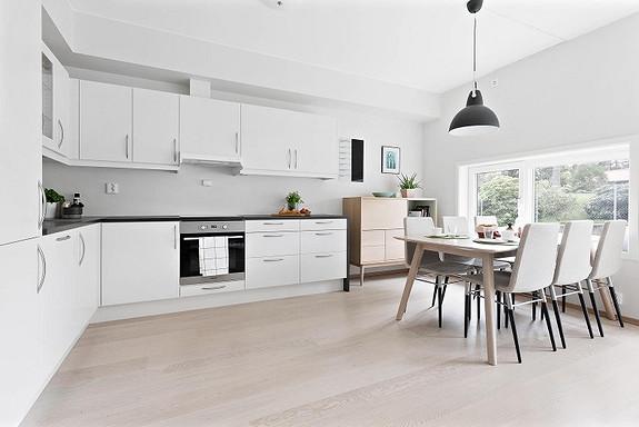 SØREIDE - Nydelig 4-roms leilighet medgarasjeplass, altan og heis i bygget