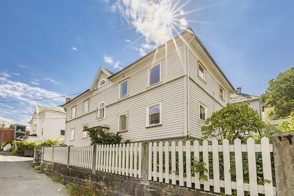 Moderne 3-roms eierleilighet med god standard - sentral beliggenhet i Solheimsviken med gangsavstand til sentrum og studiesteder!