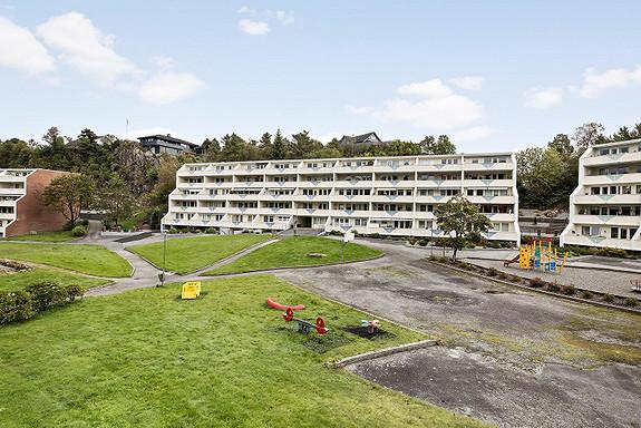Visning torsdag 19.10.  - Strøken leilighet like ved Vestkanten, stor terrasse med meget gode solforhold og parkering i garasje