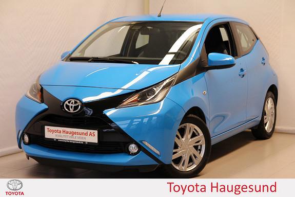 Toyota Aygo x-play 1,0 Kamera, DAB+, Cruise, autoklima, B/T, tectyl  2016, 20810 km, kr 149000,-