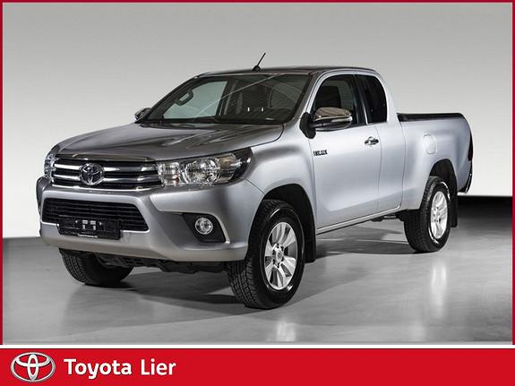 Toyota HiLux D-4D 150hk X-Cab 4WD SR 1T DEMO BIL  2016, 4100 km, kr 349000,-