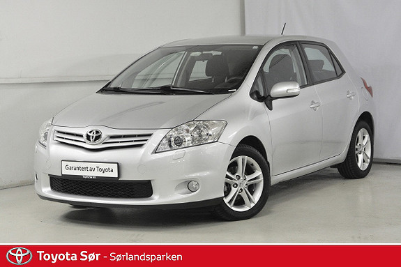 Toyota Auris 1,6 Valvematic Advance  2011, 64000 km, kr 149000,-