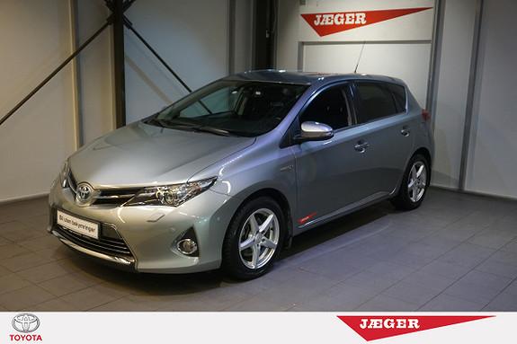 Toyota Auris 1,8 Hybrid E-CVT Executive  2013, 46800 km, kr 215000,-